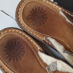 UGG Shoes - Uggs Hammonds Thong Sandal